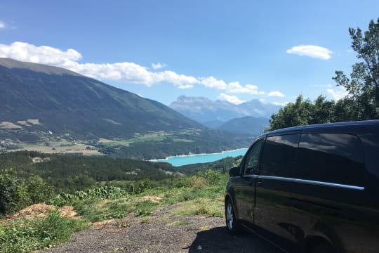 Circuit touristique depart Voiron Grenoble avec chauffeur prive VTC